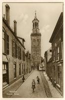 F002117 Torenstraat en Nieuwe Toren, de oudste vermelding komt uit 1653. De Nieuwe Toren is gebouwd op de plaats van de ...