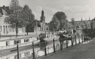 F000362 Woonarken in de Burgel aan de Burgwal, dit pleinachtige gedeelte van de Burgwal wordt ook Kalverhekkenbos ...