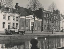 F000413 De gemeentesecretarie van de afzonderlijke gemeenten IJsselmuiden, Wilsum en Grafhorst. Dit fraaie ...