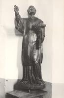 F000946 Beeld van de H. Libuïnes op de preekstoel uit 1650 van de Onze Lieve Vrouwe- of Buitenkerk.