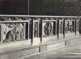 F000965 Communiebank met drie panelen in de Onze Lieve Vrouwe- of Buitenkerk, de voorstellingen van de panelen is ...