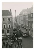 F006204 Transport van de brandkast van de Sociale Dienst der gemeente Kampen van de Buiten Nieuwstraat naar de nieuwe ...