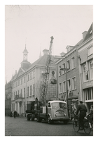 F006206 Transport van de brandkast van de Sociale Dienst der gemeente Kampen van de Buiten Nieuwstraat naar de nieuwe ...