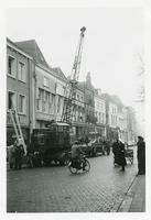 F006209 Transport van de brandkast van de Sociale Dienst der gemeente Kampen van de Buiten Nieuwstraat naar de nieuwe ...