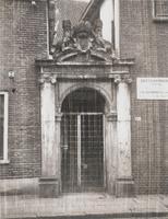 F000844-1 Linneweverspoort gelegen naast de distilleerderij van J.W. Siebrand in de Groenestraat nr. 160.