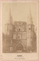 F000657 De Broederpoort, tekst in het midden onder de afbeelding: Kampen, 12 vues, Porte des Frères.