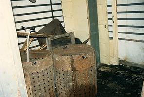 F008173 Ketels in de Conservenfabriek De Faam in IJsselmuiden, de fabriek is in 1989 gesloopt.