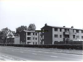 F006739 Dr. A. Kuyperstraat en Rondweg tijdens de sloop, gezien vanaf de Beneluxwegter hoogte van de Thorbeckestraat.