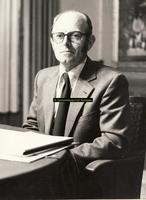 F007808 Warner Brink, opzichter in de bouw, raadslid later wethoudervoor de Partij van de Arbeid. Een mens van het ...