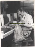 F001843 De fabricage van sigaren bij de firma Smit & Ten Hove.