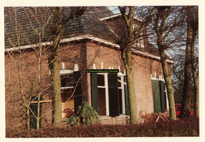 F008203 Aalbershoeve (Boerderij Netjes) voor de afbraak in 1989.Voor- zijkant, links gezien vanaf de Oosterholtseweg.