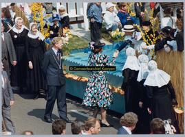 F005001 Bezoek van Koningin Beatrix, prins Claus, prins Willem-Alexander, prins Constantijn, prinses Margriet, Pieter ...