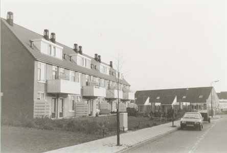 Achterzijde wooneenheden gezien vanaf de Sint Nicolaaslaan