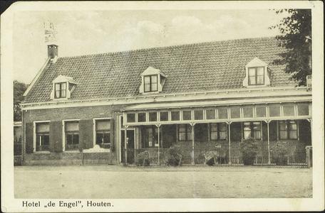 De voorgevel van café De Engel.
