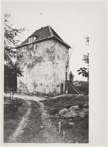 Kasteel Vuylcop. Gezicht op de toren, de achtergevel en de linkergevel.