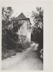 Kasteel Vuylcop. Gezicht op de toren, de achtergevel en de rechtergevel.