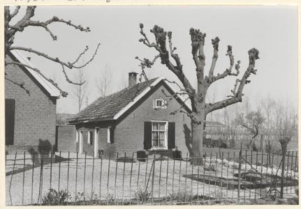 Boerderij Grijpestein. Het zomerhuis naast de boerderij dat in circa 1995 is gesloopt.
