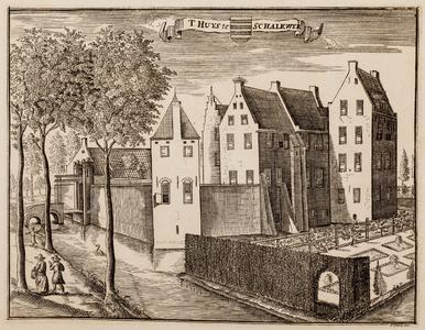 Gezicht over de gracht op de voorzijde van huis Schalkwijk, met ophaalbrug (gemeente Houten)