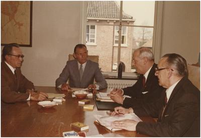 College van burgemeester en wethouders, Heeze. 1. Wethouder M.P.G. Scheepers; 2. Wethouder P. Weemering; 3. Burgemeester A.M.C.M. van Agt; 4. Gemeentesecretaris L. Verest