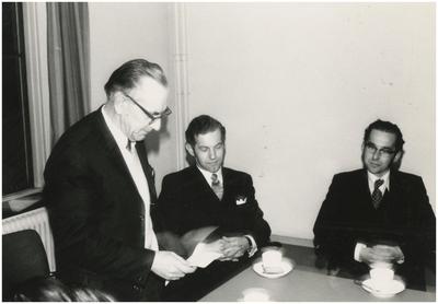 Toespraak gemeentesecretaris Verest. 1. Gemeentesecretaris L. Verest; 2. Afdelingshoofd M. Koenen; 3. Ambtenaar G. Linden