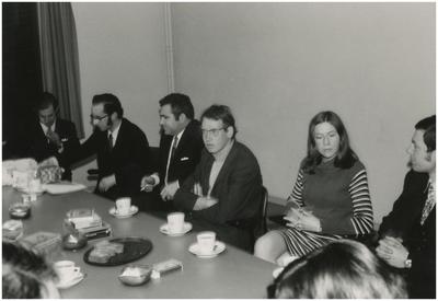Collega's. 1. Ambtenaar G. Linden; 2. Afdelingshoofd M. Koenen; 3. G. van de Paal; 4. P. van Beek; 5. M. Bax; 6. J. van Hoof