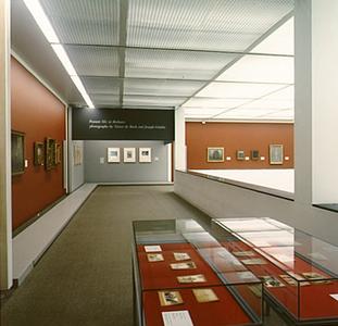 Tentoonstelling 'Collega's uit dke Kempen. De fotocollectie van Victor de Buck en Joseph Gindra' in het Van Goghmuseum te Amsterdam van 11 juni t/m 29 augustus 1993 *