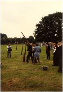 Koningschieten, Sint Jorisgilde. Burgemeester Bosman doet een poging