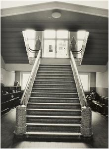 Een serie van 3 foto's betreffende Carolus Borromeus College, Mierloseweg 7