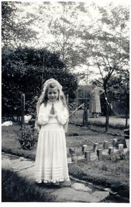Eerste communie van Lilian Vonken
