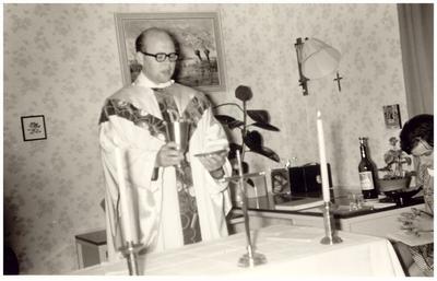 Opdragen H. Mis door Jan Schepens, kapelaan parochie O.L.V. Visiatie