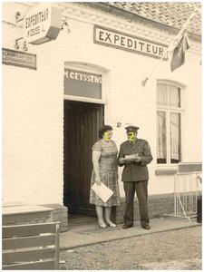 Douanekantoor, grenspost en Café Ceijssensaan de Zuid Willemsvaart