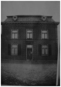 Huize Maas (brouwershuis), Nieuwstraat 9 : Bewoont door gezusters Maas. Dochter gehuwd met brouwer G. Arts