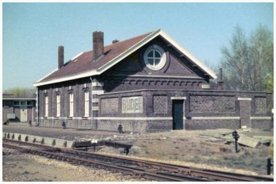 Station, Parallelweg
