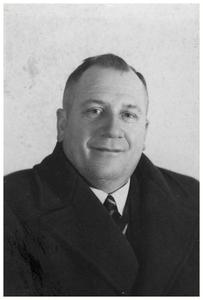 Francis van Asten : oprichter autobusdienst F. van Asten. 1. Francis van Asten;