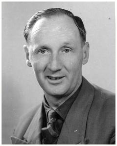 Jac van Asten de tweede directeur bij 25 jarig bestaan van Busbedrijf van Asten (Autobusdienst F. van Asten). 1. Jac van Asten;