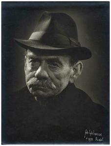 Jan Op 't Veld: bijgenaamd Hoempa * 18-05-1887 + 01-08-1969 maker en bezemverkoper 1. Jan Op 't Veld;